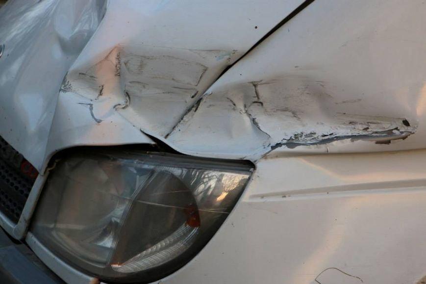 В Мариуполе пастор Мохненко прокомментировал инцидент с разбитым автобусом (ФОТО), фото-3