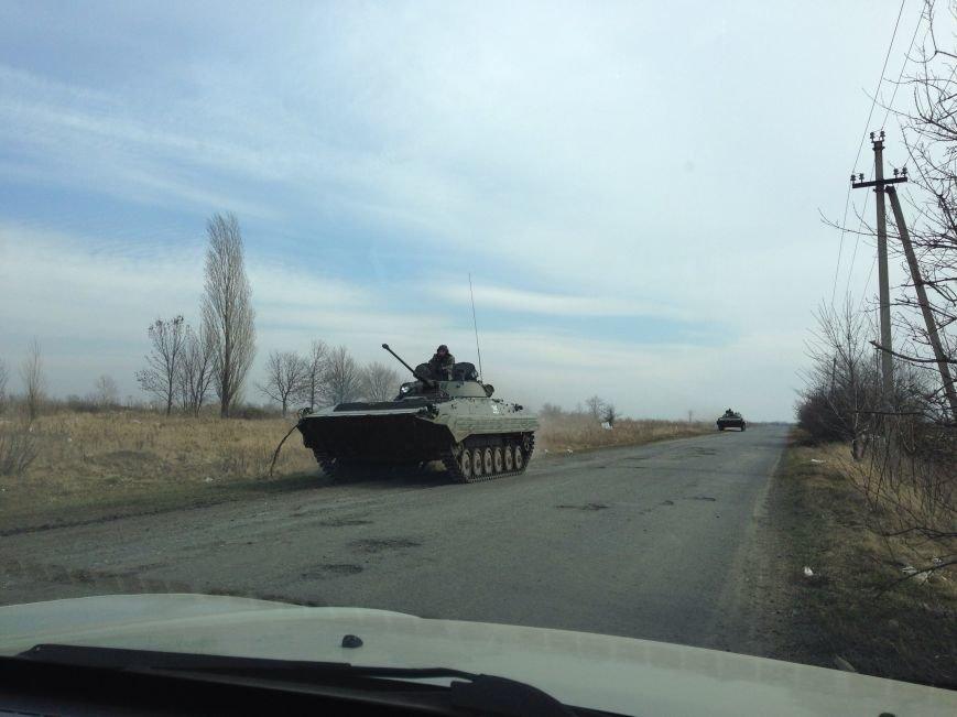 Под Харьковом идут военные учения: к российской границе стягивают БТРы и танки (ФОТО), фото-5