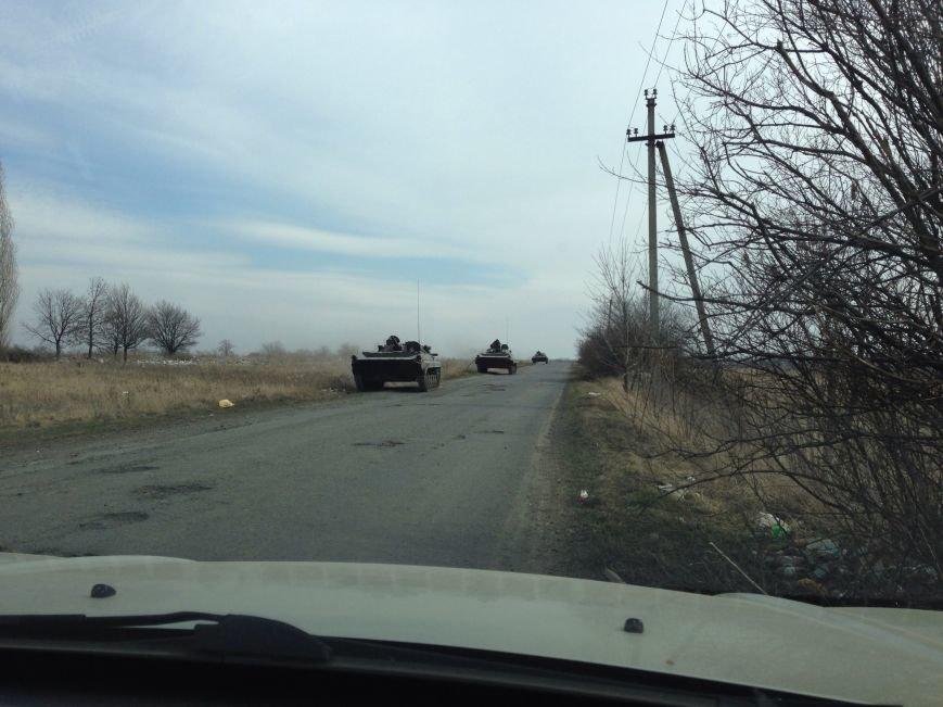 Под Харьковом идут военные учения: к российской границе стягивают БТРы и танки (ФОТО), фото-4