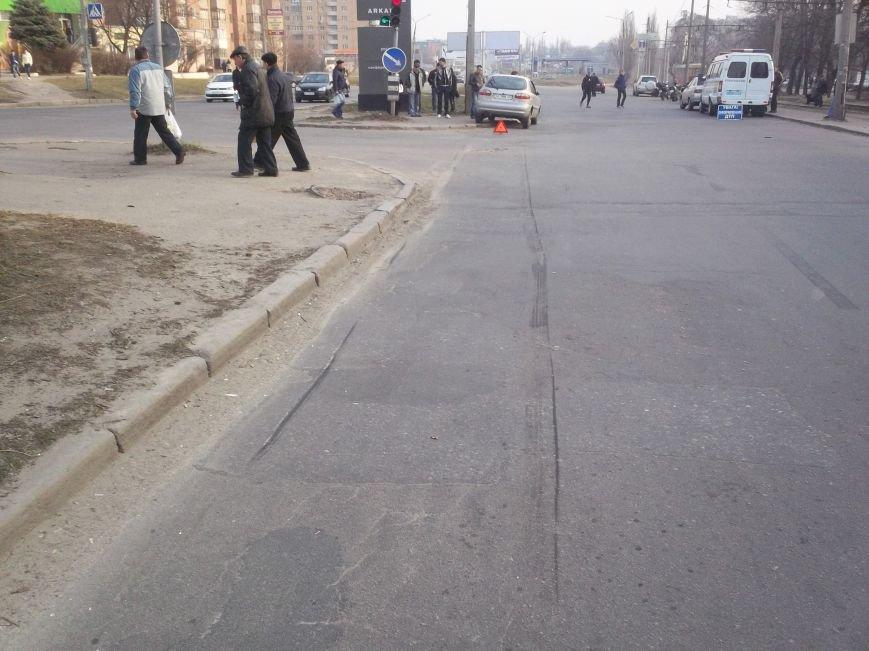На Алексеевке столкнулись легковушка и мотоцикл (ФОТО), фото-2