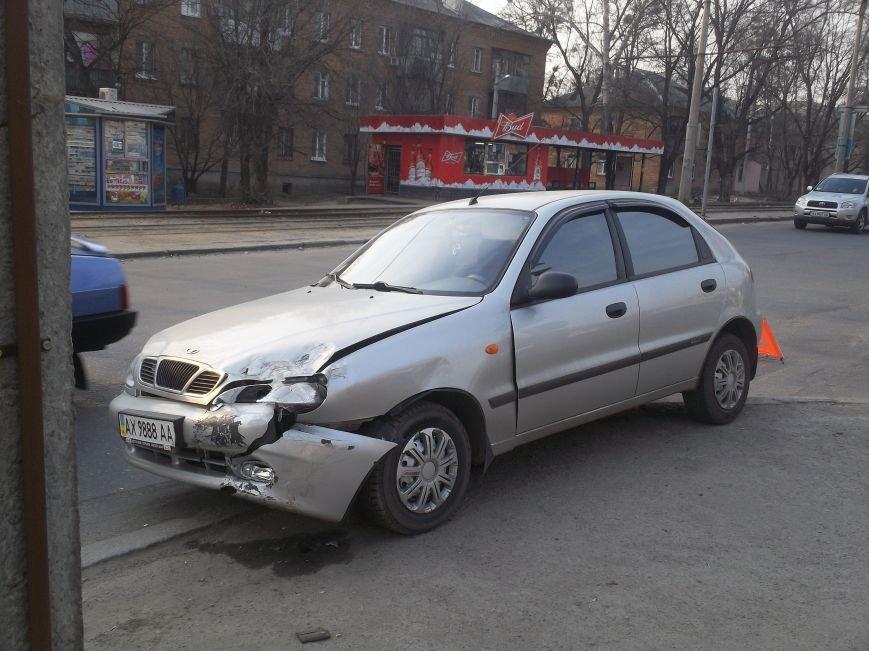 На Алексеевке столкнулись легковушка и мотоцикл (ФОТО), фото-3