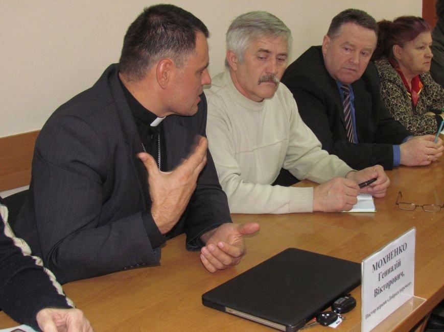 Городской голова Юрий Хотлубей извинился перед пастором Мохненко за разбитый автобус, фото-2