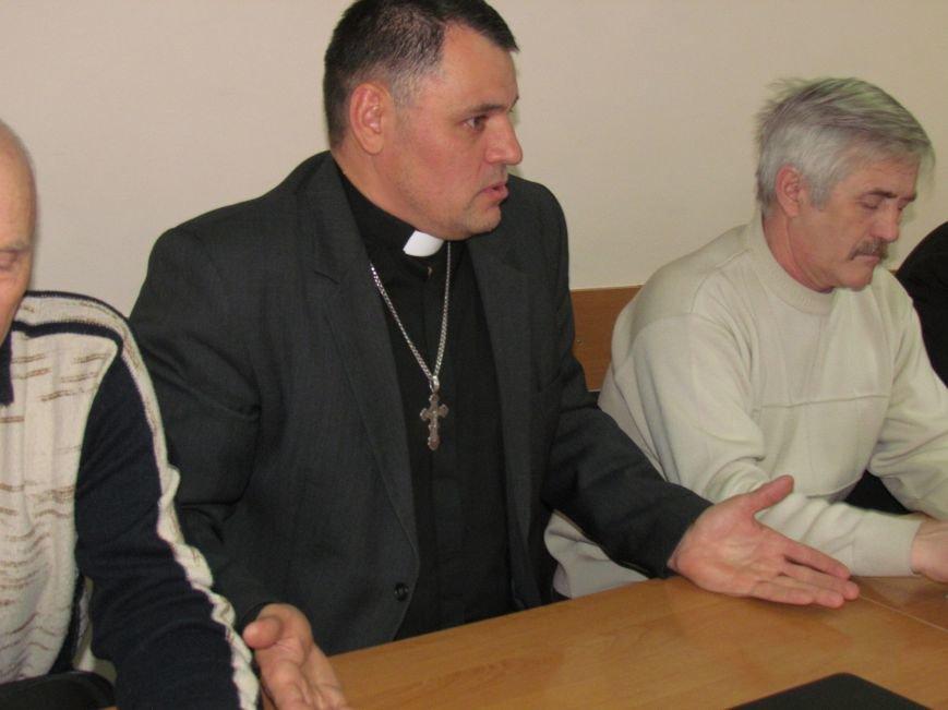 Городской голова Юрий Хотлубей извинился перед пастором Мохненко за разбитый автобус, фото-4