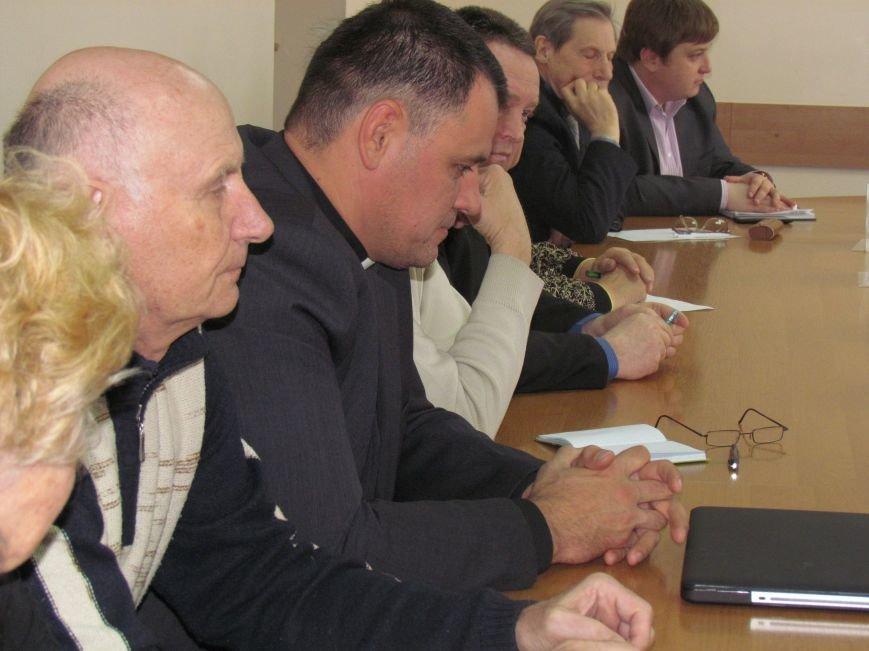 Городской голова Юрий Хотлубей извинился перед пастором Мохненко за разбитый автобус, фото-1