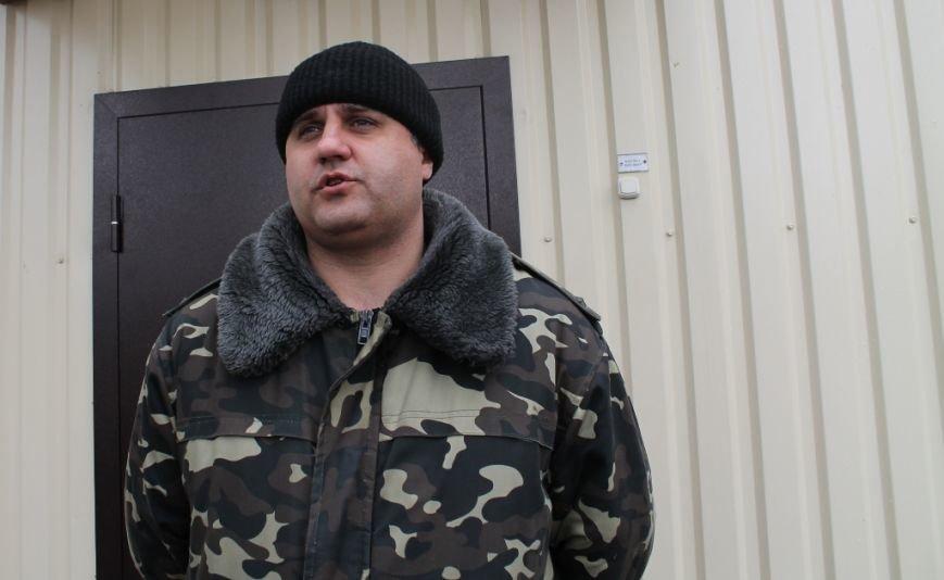 Артемовские казаки рассказали, зачем они блокируют склад с оружием в Парасковиевке (ВИДЕО), фото-3
