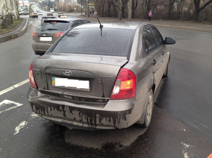 В Донецке на перекрестке маршрутка врезалась в «Хюндай» - пострадали пассажиры (ФОТО), фото-4