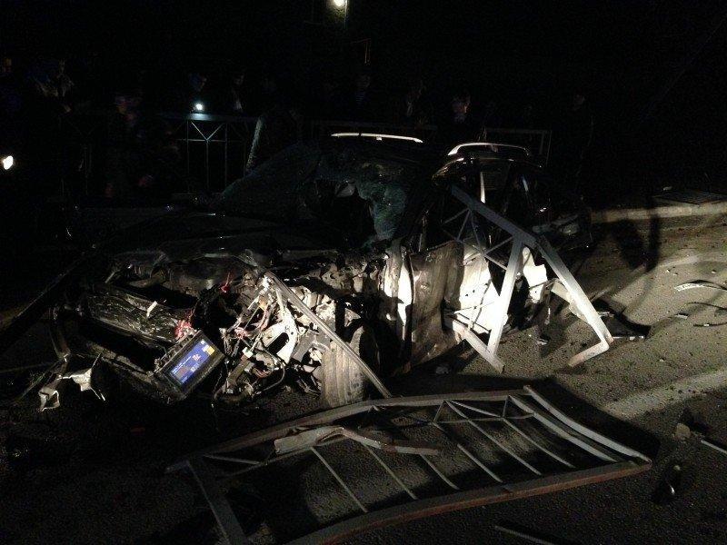 В Симферополе насмерть разбилась компания молодежи на иномарке (ФОТО), фото-2