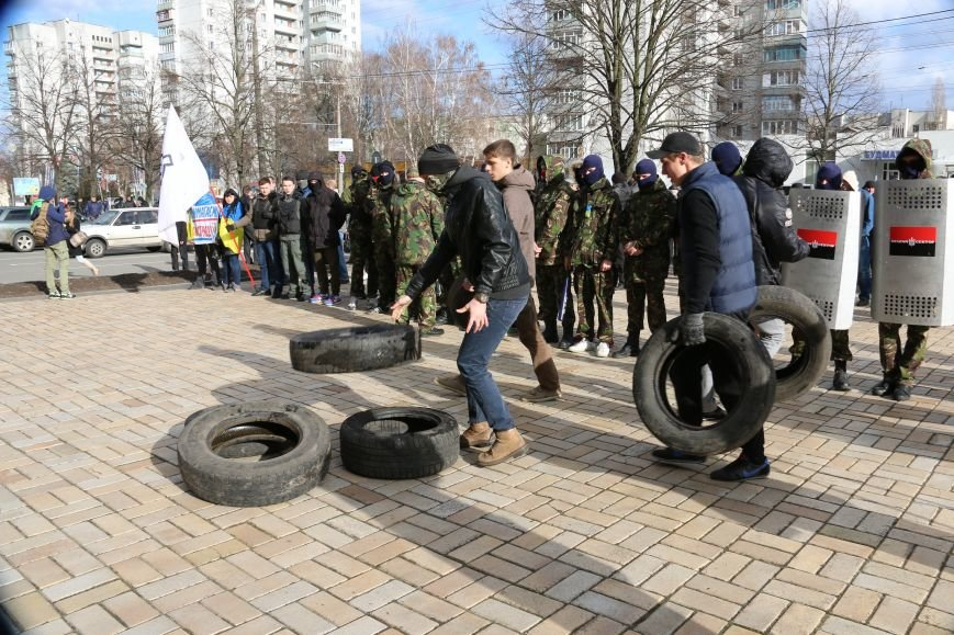 Протест перед милицией: шашки, крики и гарь, фото-2