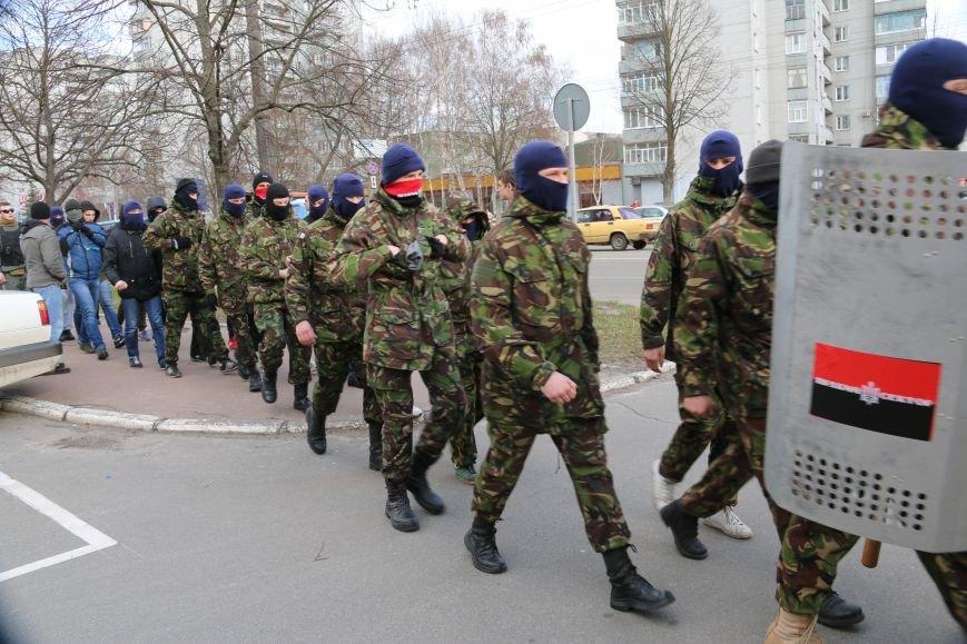 Протест перед милицией: шашки, крики и гарь, фото-1