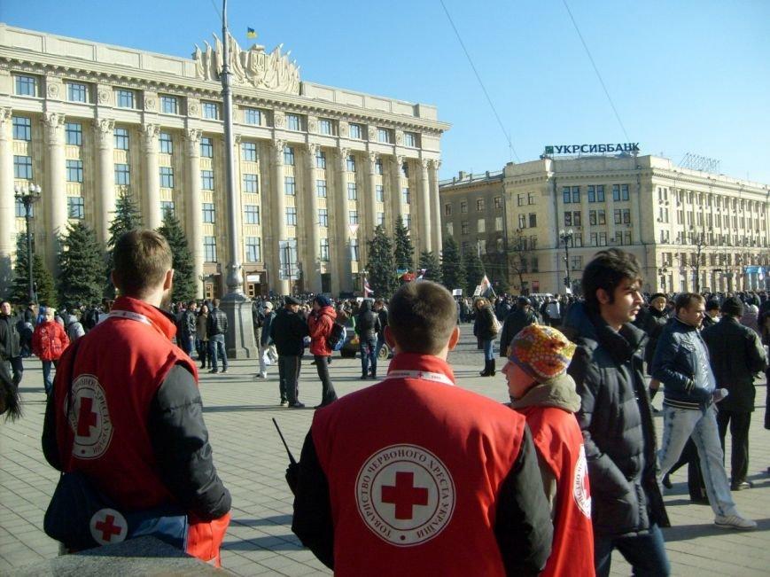 «Первая скорая» и «Первая красная»: кто помогает харьковчанам, пострадавшим на митингах, фото-1