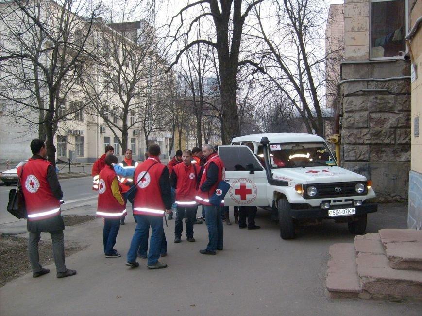 «Первая скорая» и «Первая красная»: кто помогает харьковчанам, пострадавшим на митингах, фото-2
