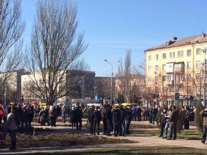 В Мариуполе начался митинг в поддержку Виктора Януковича, к которому в итоге  записали обращение (Обновляется, ФОТО, Видео), фото-2