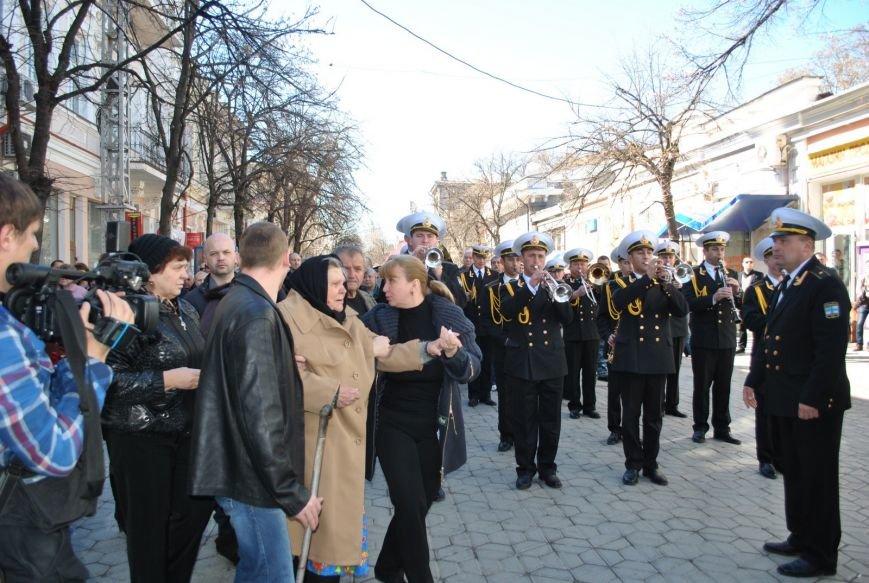 В Симферополе простились с убитыми 18 марта военным и бойцом самообороны Крыма (ФОТО), фото-5