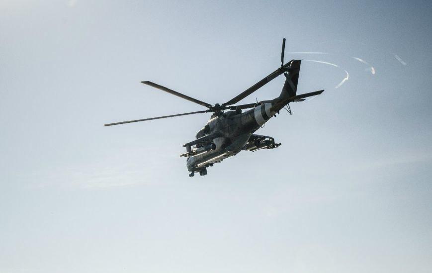 Над Мариуполем только что  пролетели два вертолета (Фотофакт+ ВИДЕО), фото-1