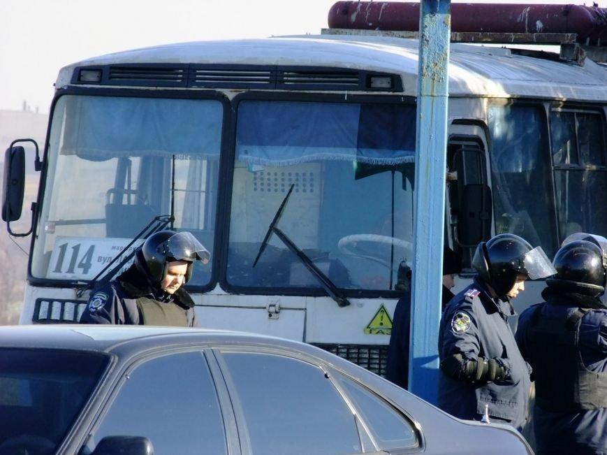 Неспокойное время! Маршрутчики  стали работать на благо  мариупольской милиции (ФОТО), фото-5