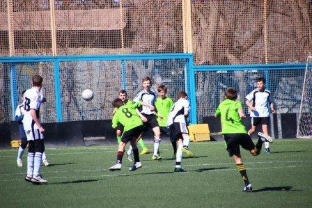 В Мариуполе проходит турнир по футболу памяти Валентина Ливенцева, фото-1