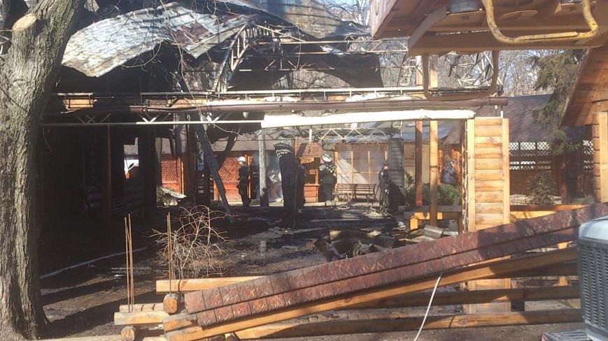 В центре Харькова дотла сгорел двухэтажный ресторан (ФОТО), фото-4