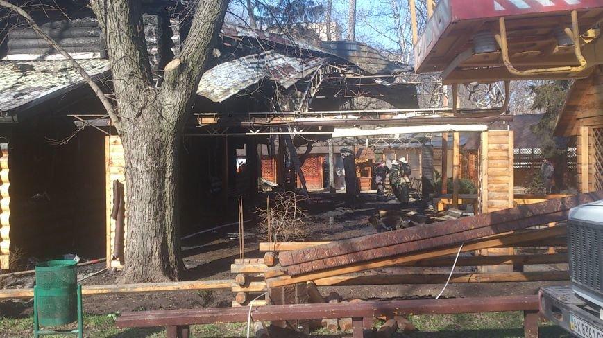 В центре Харькова дотла сгорел двухэтажный ресторан (ФОТО), фото-3