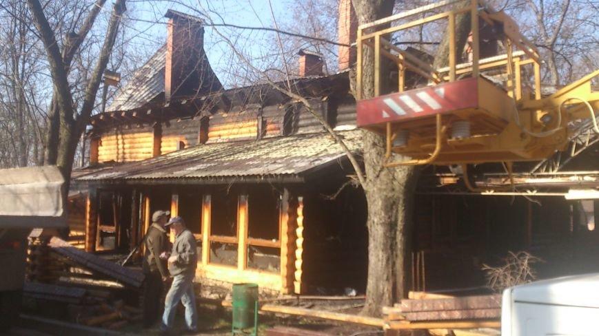 В центре Харькова дотла сгорел двухэтажный ресторан (ФОТО), фото-1