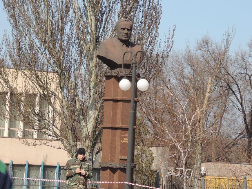В Мариуполе азовмашевцы вышли на митинг (ФОТО), фото-11