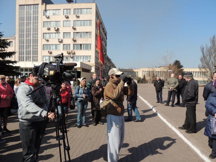 В Мариуполе азовмашевцы вышли на митинг (ФОТО), фото-1