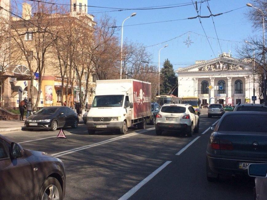В Мариуполе столкнулись «Фольксваген» и «Тойота» (Фотофакт), фото-2