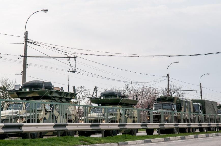 ФОТОФАКТ: Из Крыма выезжает военная техника?, фото-6