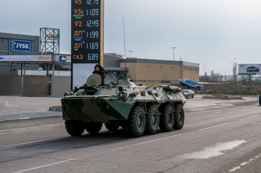 ФОТОФАКТ: Из Крыма выезжает военная техника?, фото-3