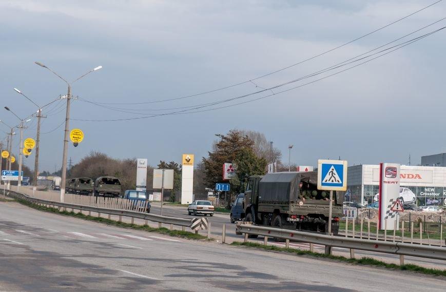 ФОТОФАКТ: Из Крыма выезжает военная техника?, фото-5