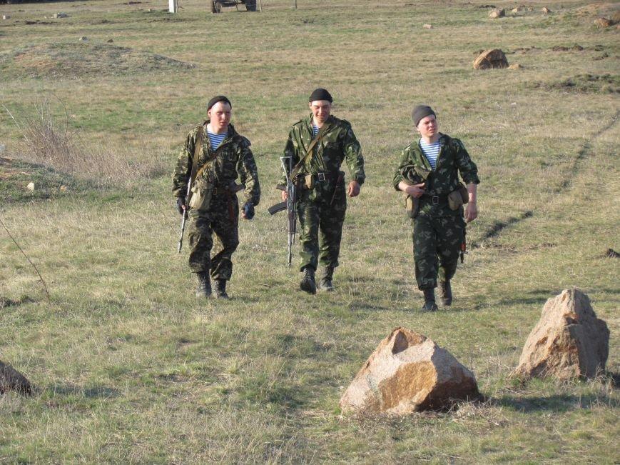 Мариупольцы  вооружили военный лагерь десятком раций (Фоторепортаж), фото-3