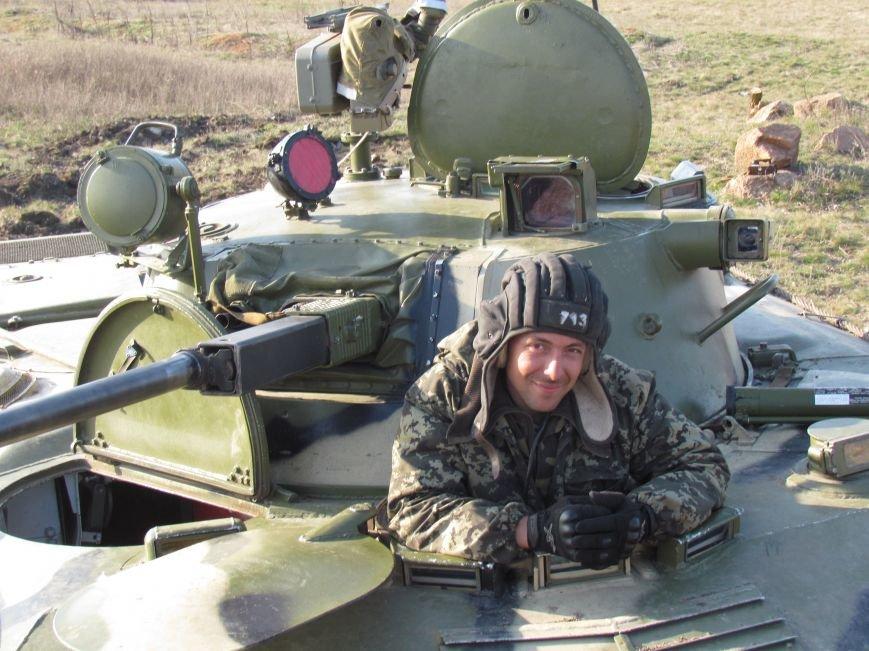 Мариупольцы  вооружили военный лагерь десятком раций (Фоторепортаж), фото-2