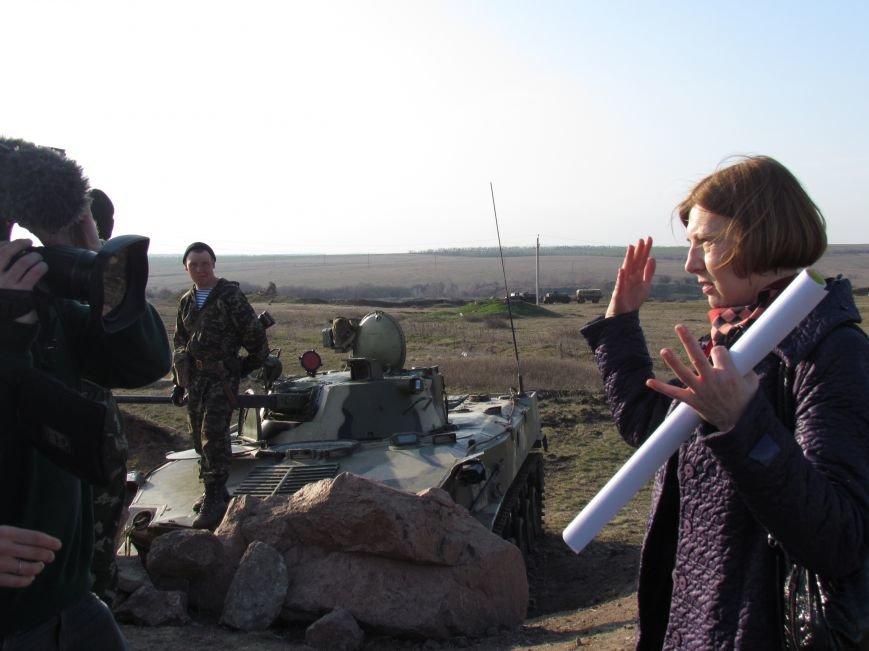Мариупольцы  вооружили военный лагерь десятком раций (Фоторепортаж), фото-12