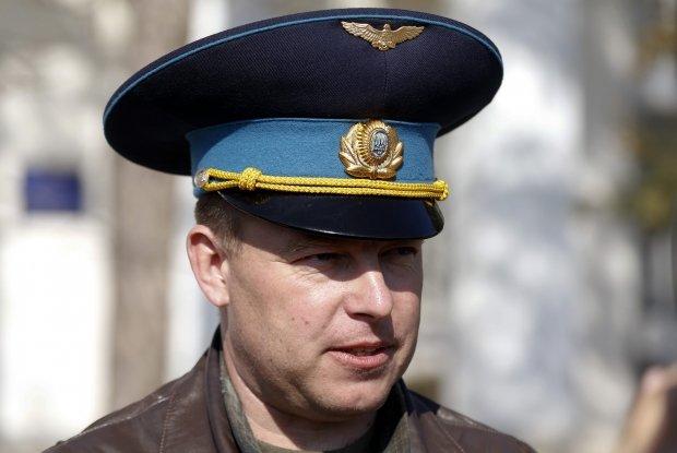 Три освобожденных офицера из Крыма прибыли в Киев, фото-1