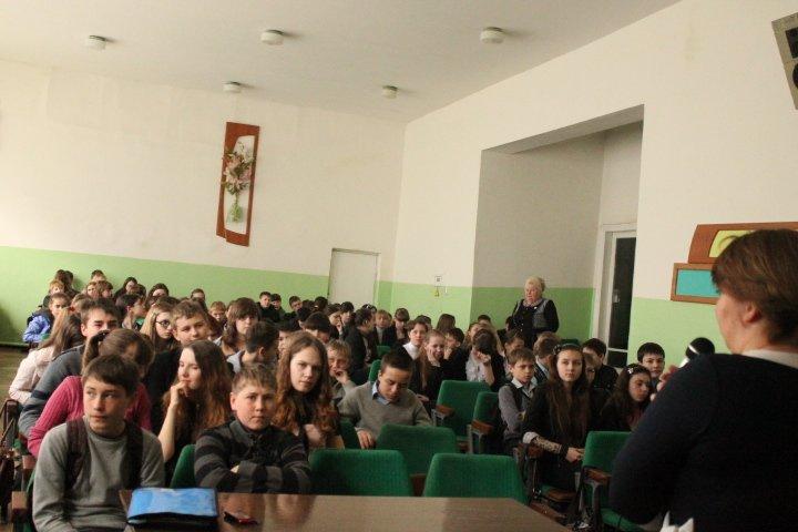 В рамках месячника против туберкулеза для артемовских школьников поводят профилактические лекции, фото-3