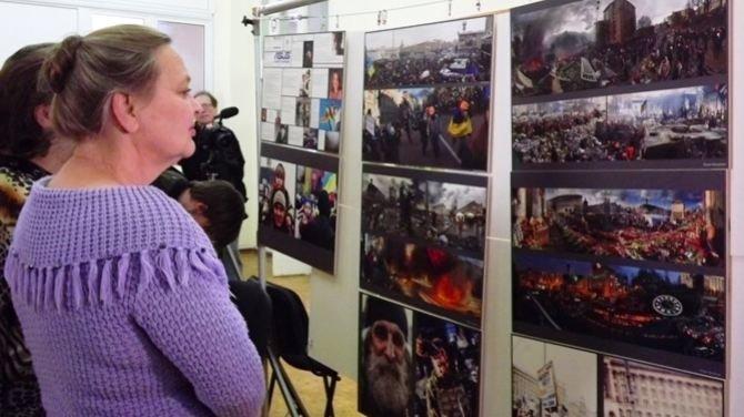 Луганчанам показали фотовыставку про Майдан (ФОТО), фото-3