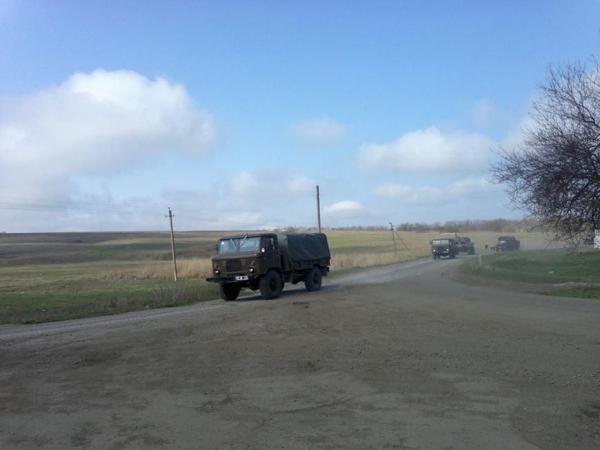 Под Мариуполем движется украинская военная техника (ФОТО), фото-3