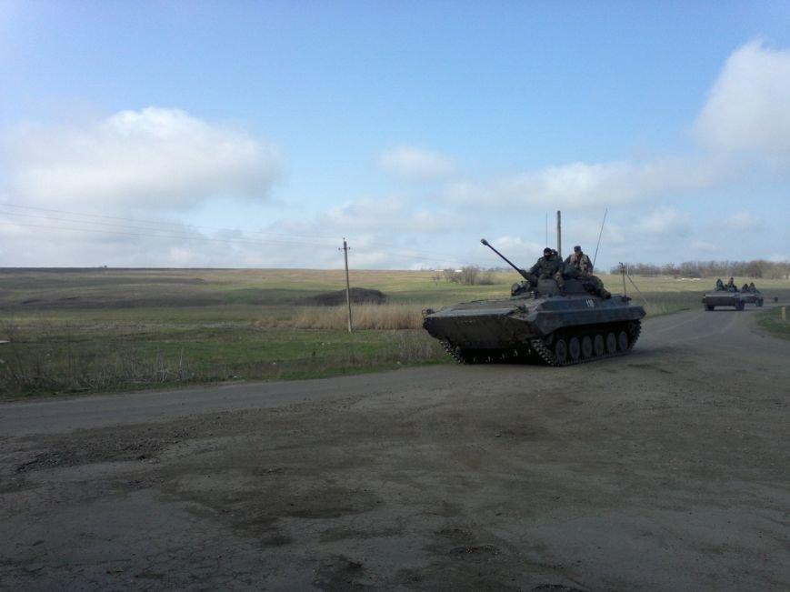 Под Мариуполем движется украинская военная техника (ФОТО), фото-6