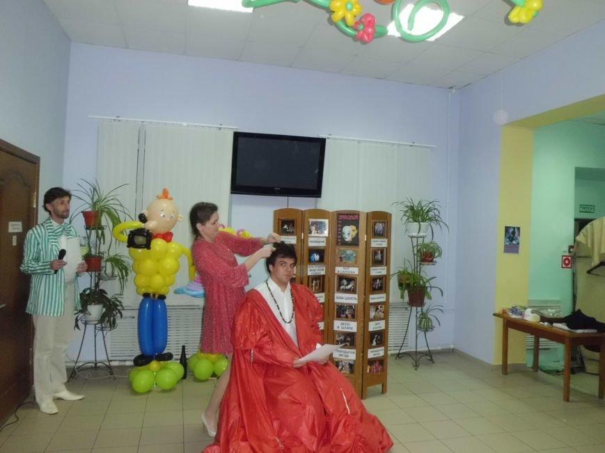 Таганрожский театр Нонны Малыгиной в кругу друзей весело отметил День театра, фото-3