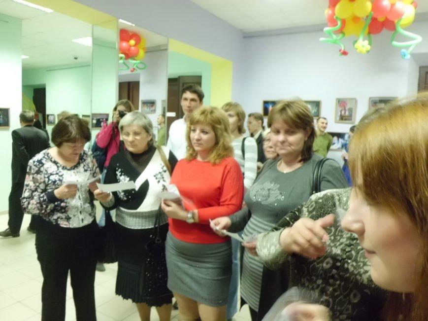 Таганрожский театр Нонны Малыгиной в кругу друзей весело отметил День театра, фото-1