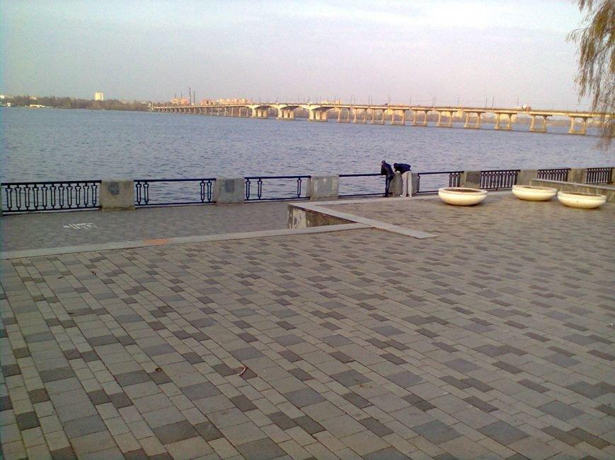 Забор на Набережной разбирают по частям: милиция узнала об этом факте от журналиста 056.ua  (ФОТОФАКТ), фото-4