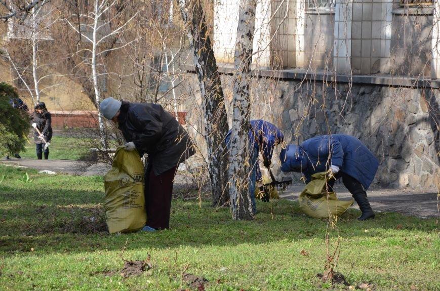 Мариупольцы вышли на общегородской субботник (ФОТО), фото-8