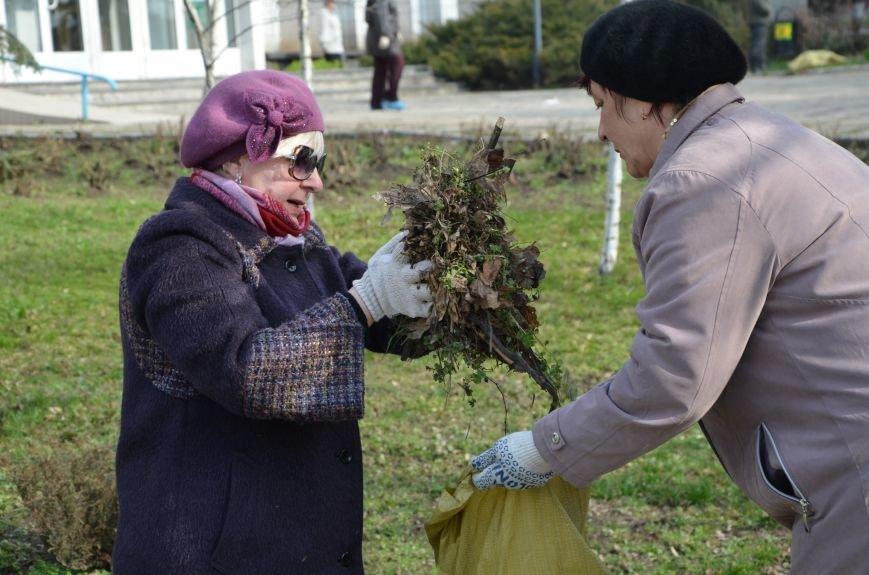 Мариупольцы вышли на общегородской субботник (ФОТО), фото-20