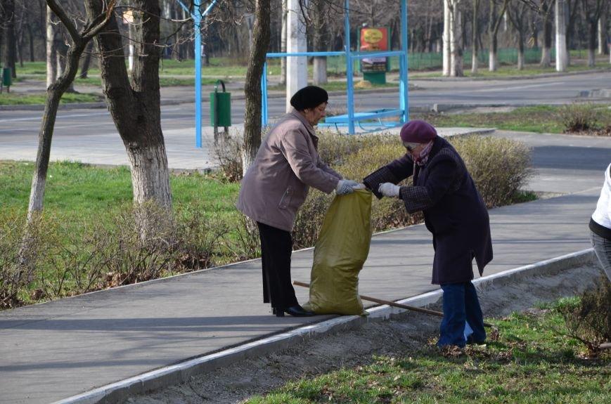 Мариупольцы вышли на общегородской субботник (ФОТО), фото-11