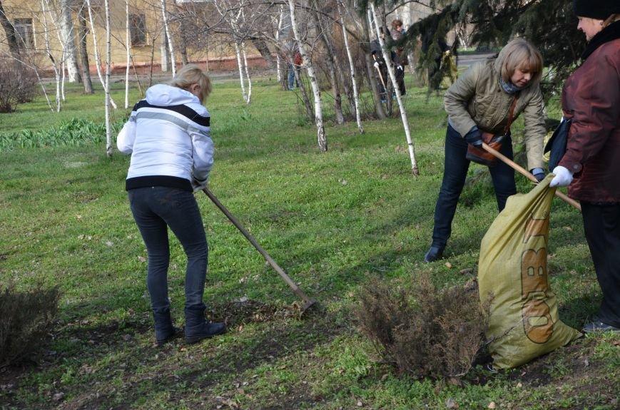 Мариупольцы вышли на общегородской субботник (ФОТО), фото-12