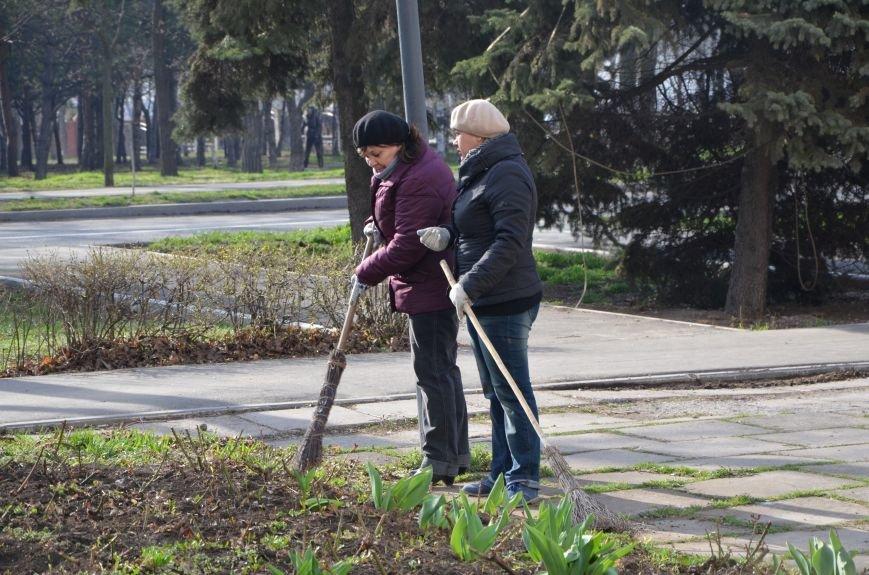 Мариупольцы вышли на общегородской субботник (ФОТО), фото-5