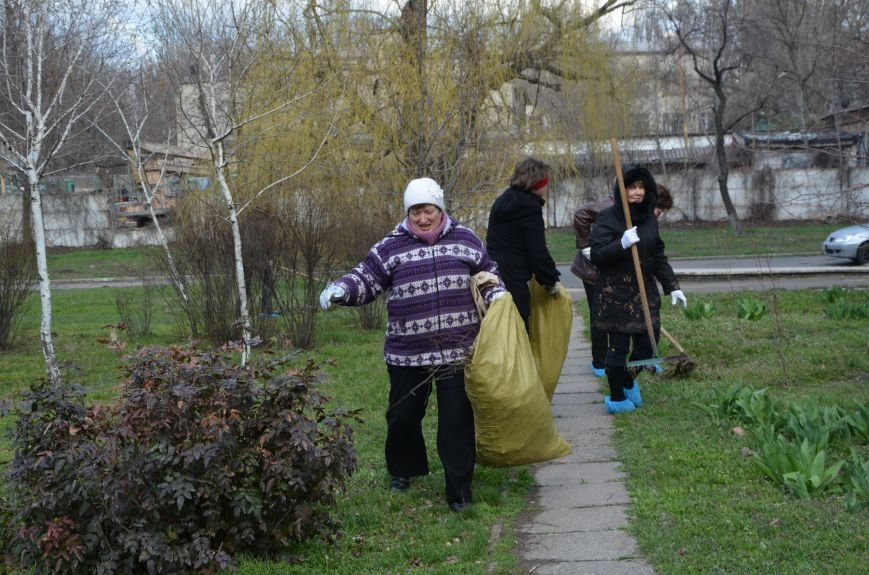 Мариупольцы вышли на общегородской субботник (ФОТО), фото-19