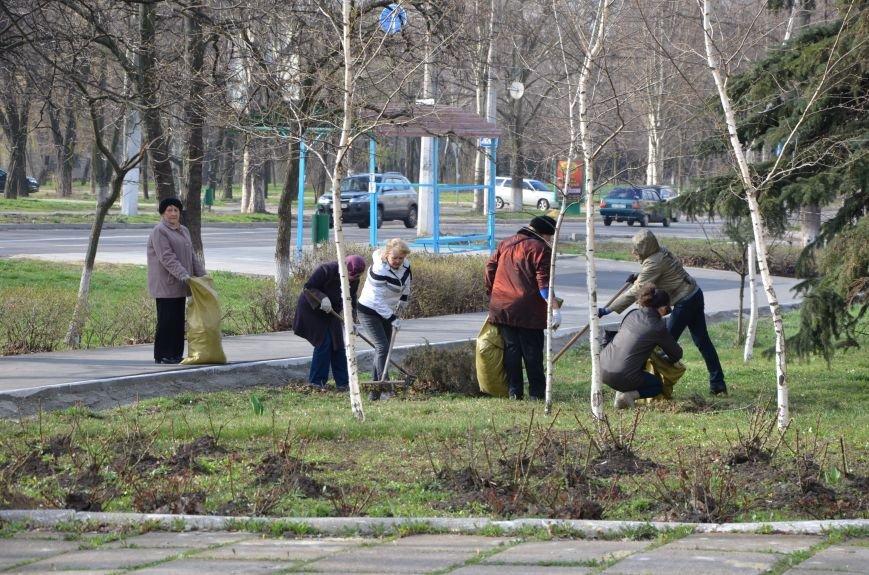 Мариупольцы вышли на общегородской субботник (ФОТО), фото-7