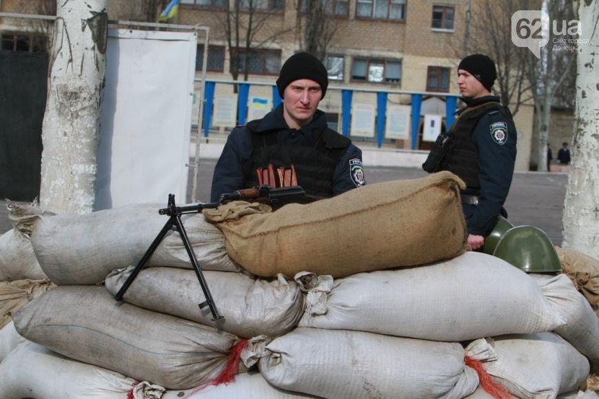 В Донецк прибыли верные присяге военные из Крыма - без оружия, но с оптимизмом (ФОТО, ВИДЕО) (фото) - фото 3