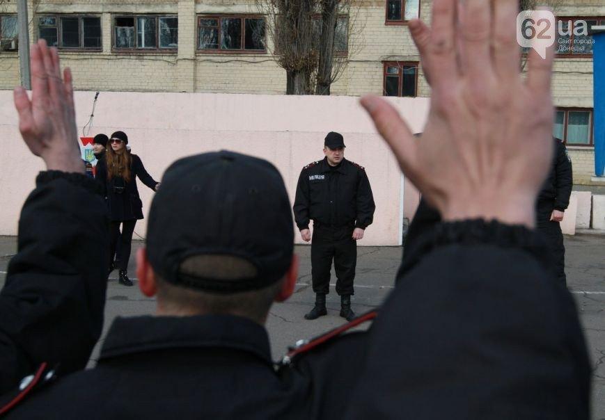 В Донецк прибыли верные присяге военные из Крыма - без оружия, но с оптимизмом (ФОТО, ВИДЕО) (фото) - фото 7