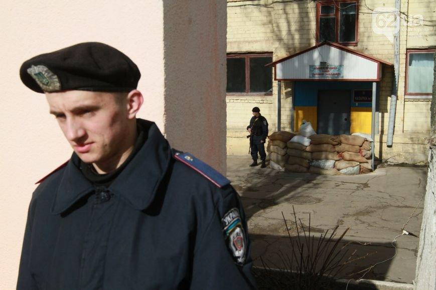 В Донецк прибыли верные присяге военные из Крыма - без оружия, но с оптимизмом (ФОТО, ВИДЕО) (фото) - фото 4